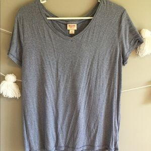 V-neck striped tee! Very comfortable!